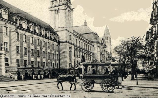 http://www.b-v-s.berlin/bus/Geschichte/ABOAG/ABOAG_Lv/ABOAG_Lv_1909/1908_ABOAG_Linie-11_Kriminalgericht-Moabit.jpg